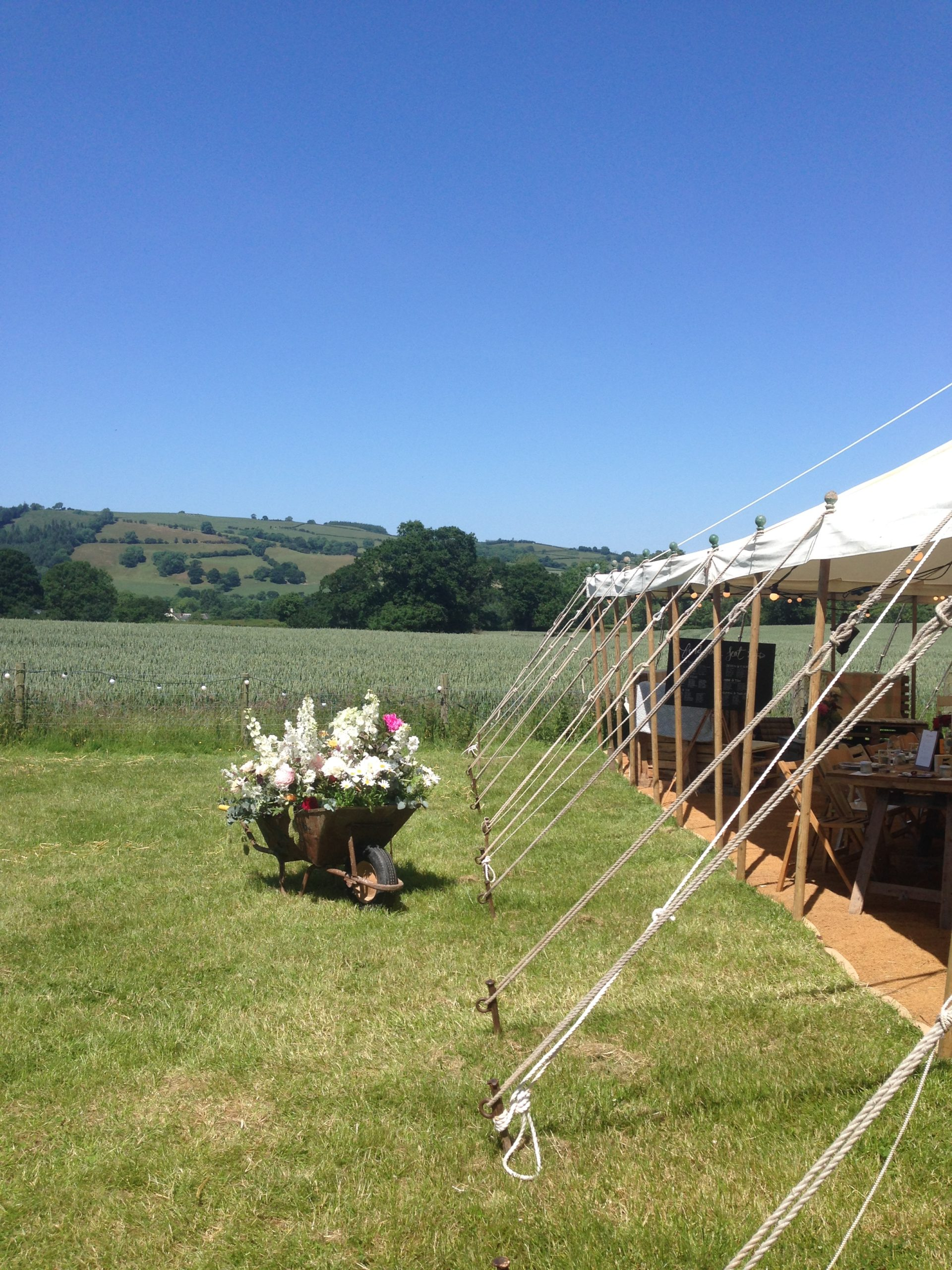Marquee wedding cotswolds