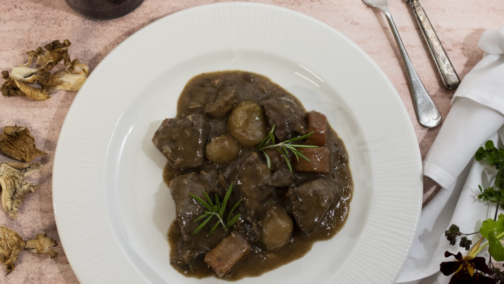 Home feasting beef bourguignon for Bristol home delivery
